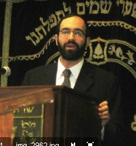 Picture of Rabbi Moshe Bergman.